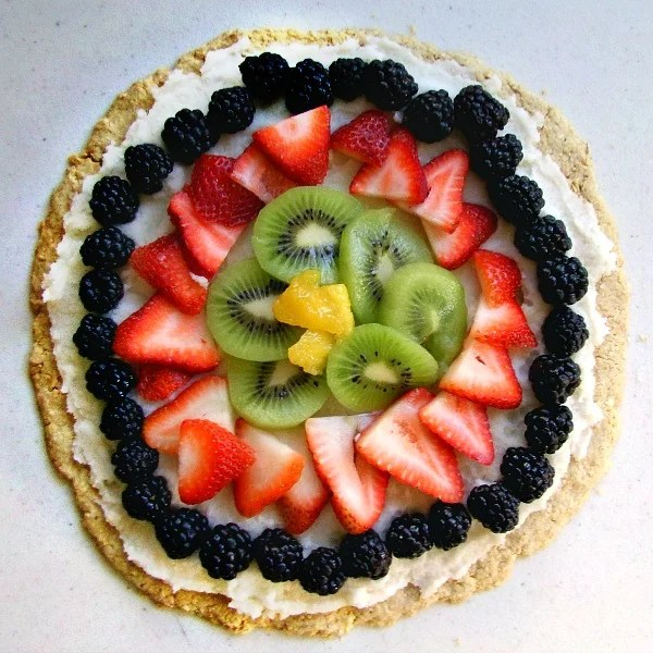 Fruit pizza is a delicious summer dessert recipe!