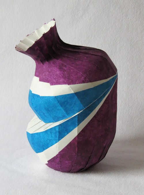 Bent variant vase