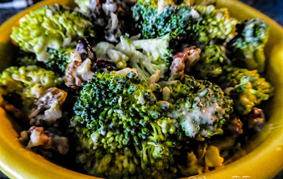 Light Cranberry-Raisin  Broccoli Salad