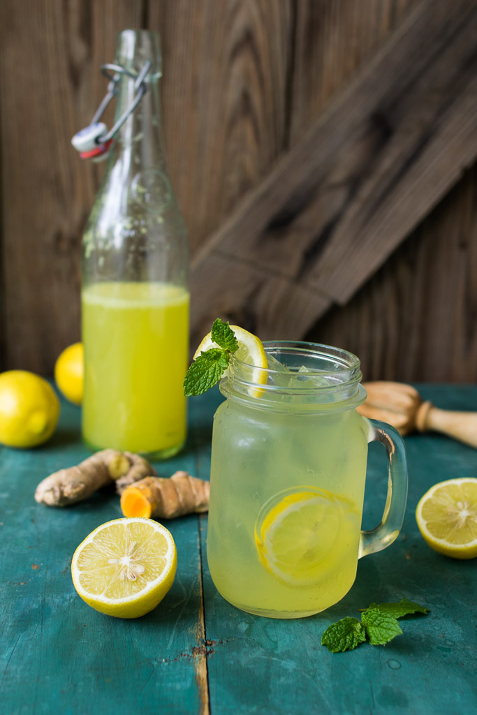 Sparkling Ginger Turmeric Lemonade | Reclaiming Yesterday