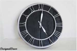 recycled palet clock