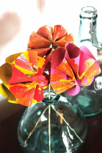 How to make recycled paper tube flowers recycled crafts for Cardboard tube flowers