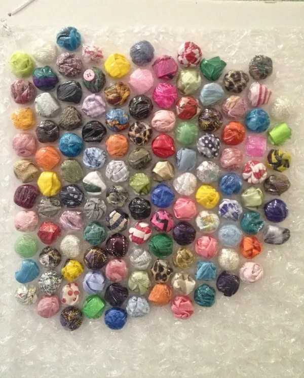How to fill bubble wrap to make art – Recycled Crafts