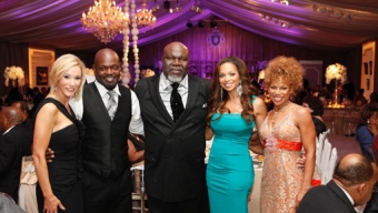 That is Bishop TD Jakes there in the middle. This is his church anniversary celebration.