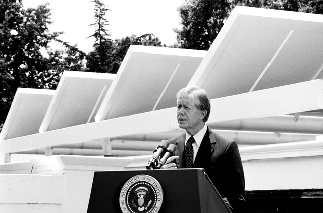 White House Won't... er... WILL Go Solar