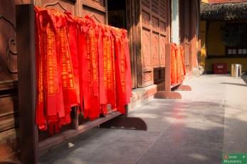 Longhua Temple, wstążki z treścią ślubowania