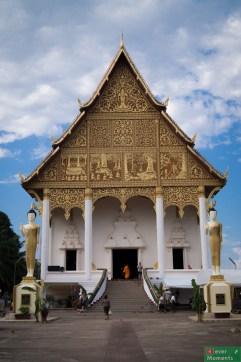 Świątynia Wat Thatluang Neua