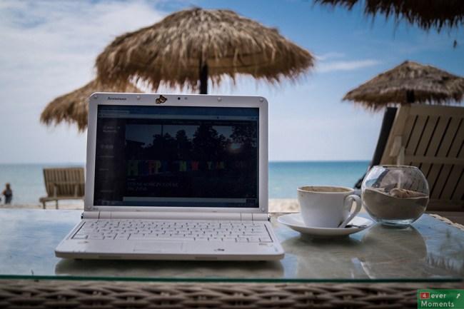 Czas w Otres poświęciliśmy m.in. nadrabianiu zaległości na blogu...w takich okolicznościach człowiek nie czuje, że pracuje :)