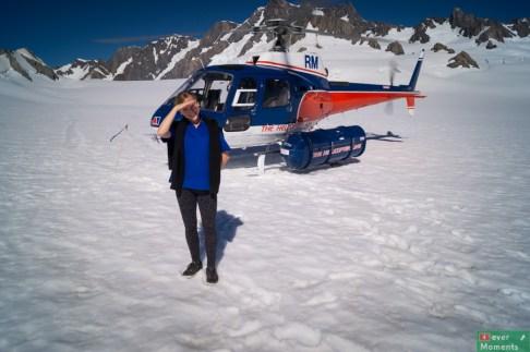 """Lądowanie na lodowcu, a ja nadal w moim """"uniformie"""", którego nie zdążyłam zmienić ;)"""
