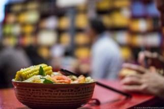 Wegetariański bufet: wrzucasz 5 juanów na tacę, jesz ile chcesz!