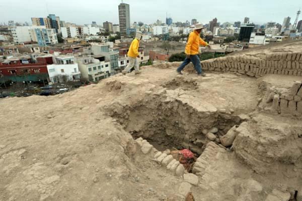 Fardos encontrados en Perú. Crédito: Ministerio de Cultura
