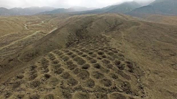 Estos hoyos encontrados en Perú serían un sistema para medir los impuestos en el Imperio Inca.