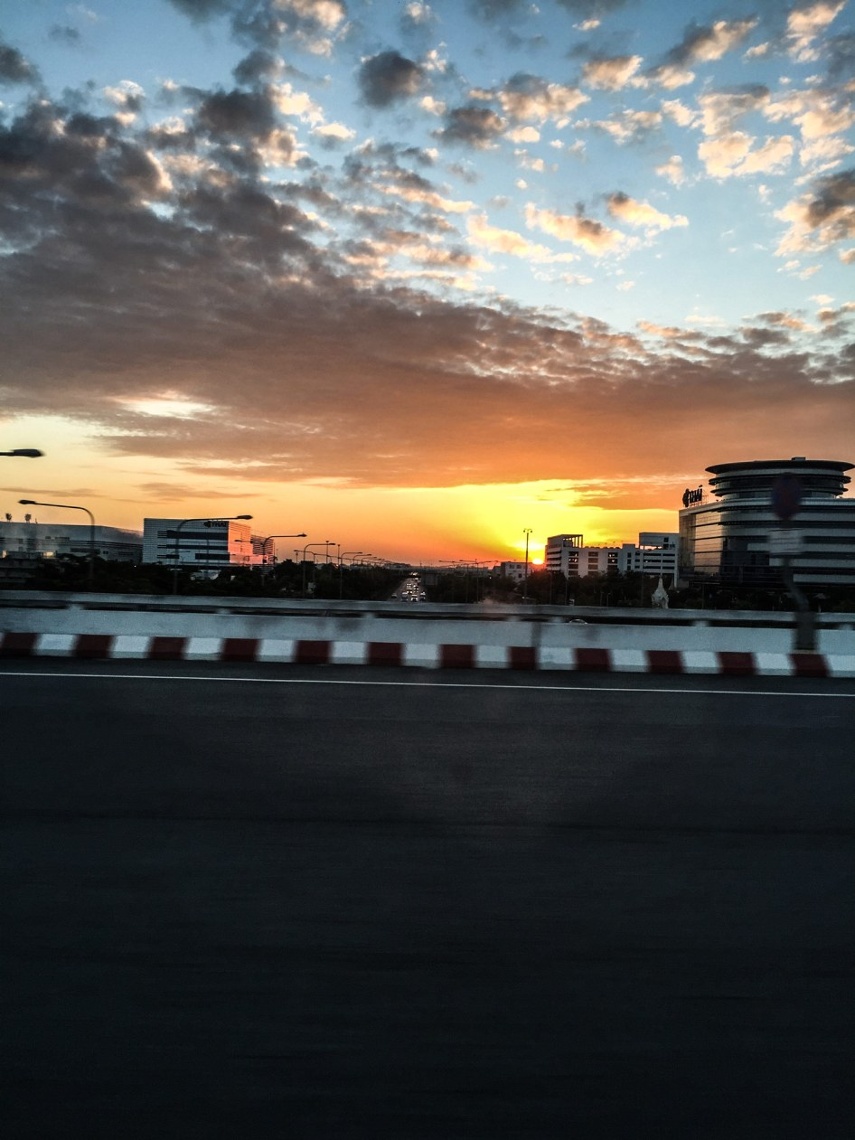 sunset-view-from-taxi-Bangkok