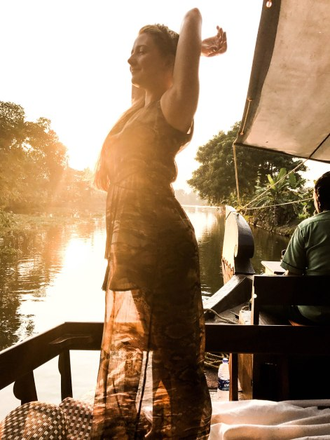 kerala-backwaters-boat-stay