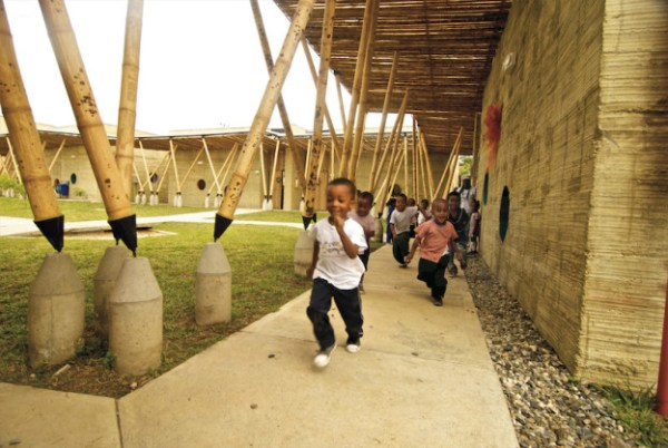 escola-colombia-bambu11-624x418