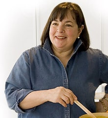 ONLY the Barefoot Contessa can pop a collar and not be a total d-bag.  :)