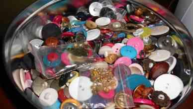 My big tin 'o buttons!
