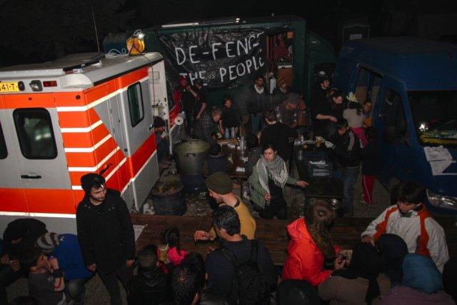 Blick auf die Essensausgabe im Camp
