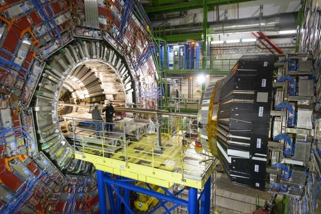 Large Hadron Collider entre Suiza y Francia