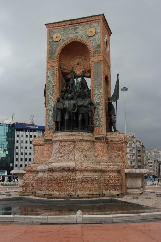 Monumentet Cumhuriyet Anıtı, Taksim plassen, Istanbul