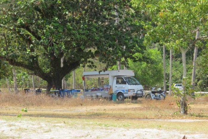 Matvogn langs stranden i Malaysia Foto: Reiselykke