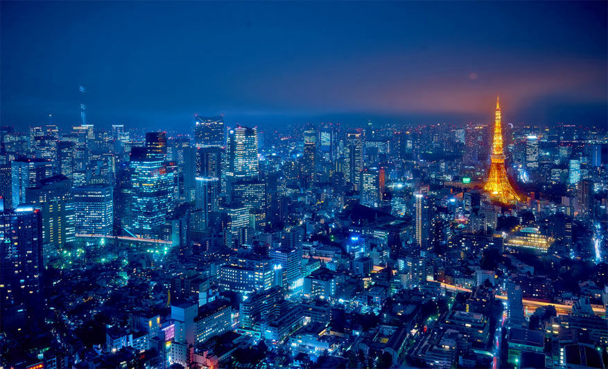 Tokio in Japan by night © Moyan Brenn via Flickr Creative Commons