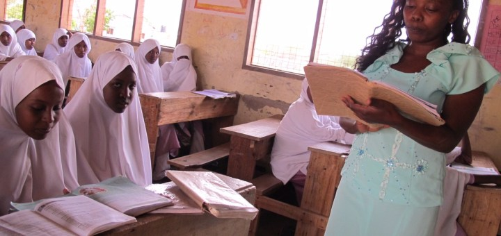 A school in Garissa County where teachers handle overcrowded class with less textbooks among pupils.Picture:Henry Owino