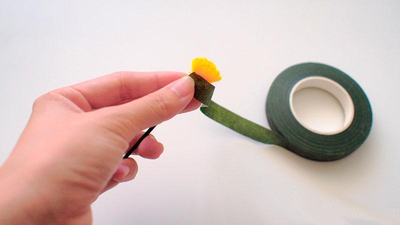 Как сделать ромашки из гофрированной бумаги