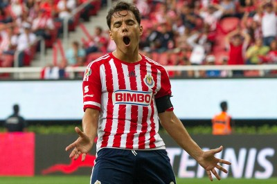 Omar Bravo Now Holds the Record for Best Goleador of Las Chivas