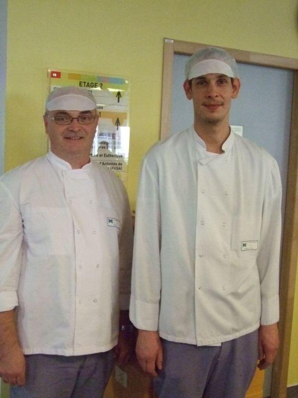 Eric Petot, le chef cuisinier et son second de cuisine, Frédéric Marandel
