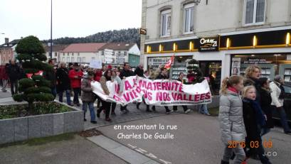 Manifestation Maintien Maternit+® +á Remiremonr (26)
