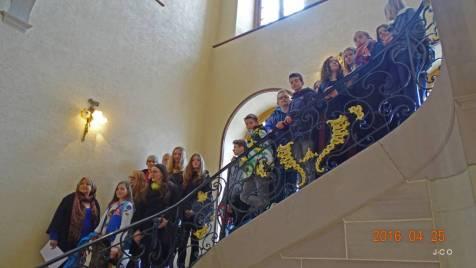 09 dans l'escalier d'Honneur