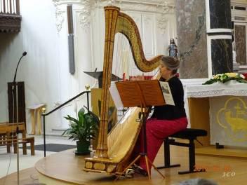 04 Isabelle Harpiste