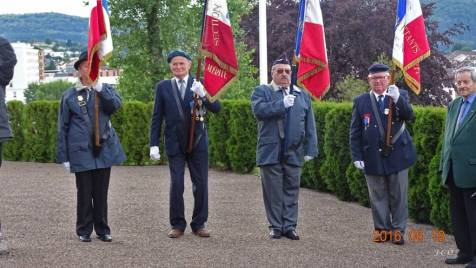 04 Porte drapeau (1)