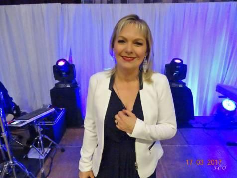 10 Chanteuse Fabienne