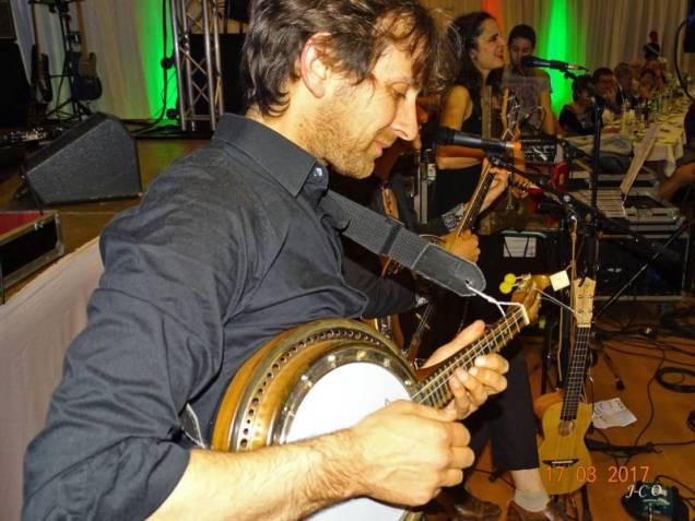 31 banjo-violon