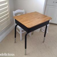 $5 Kids School Desk DIY Transformation
