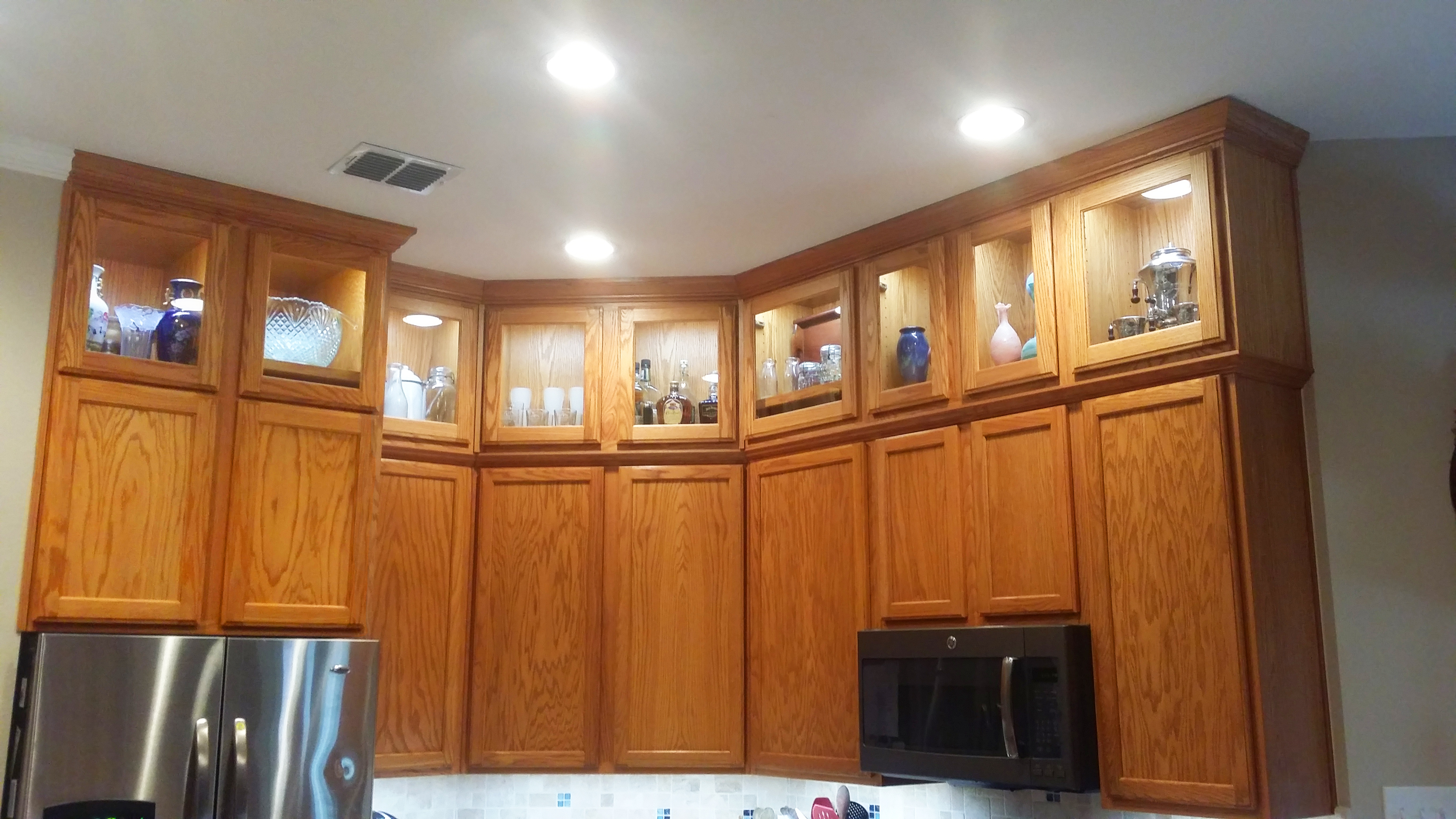 a stylish cabinet installation transforms a dated kitchen installing kitchen cabinets A Stylish Cabinet Installation Transforms a Dated Kitchen Rumenapp finished cabinets 2