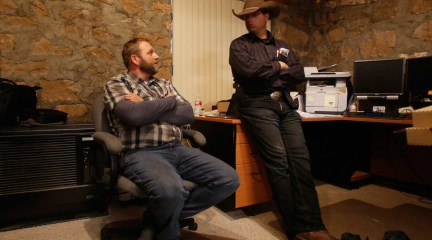 Ammon Bundy (L), and his brother Ryan Bundy are shown in an office at the Malheur National Wildlife Refuge near Burns, Oregon, U.S. January 6, 2016. © Jim Urquhart / Reuters