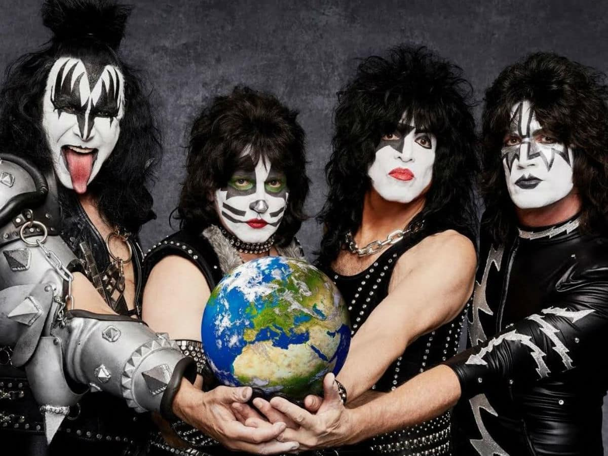Irving s Music Factory blows a kiss to music fans with latest     KISS band