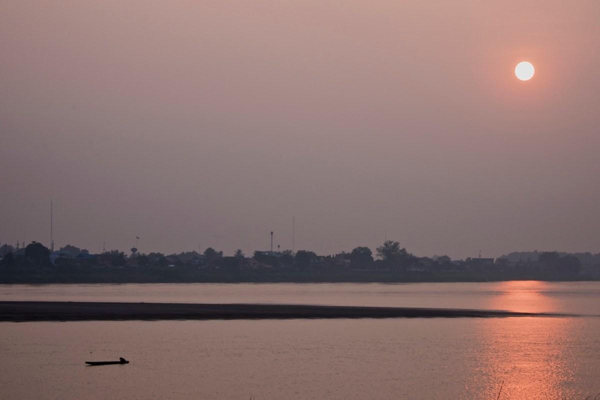 Le Grande Tour, Days 7-11: Vientiane