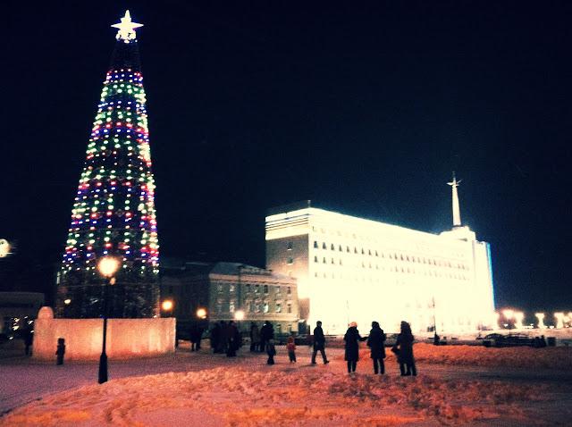 Центральная площадь, Достопримечательности Томска