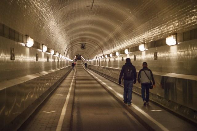 Тоннель под Эльбой. Гамбург, 2012