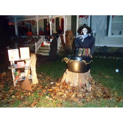 Medium Crop Of Outdoor Halloween Decorations