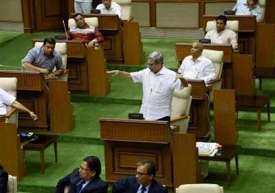 BJP's Panaji MLA resigns, paves way for CM Parrikar to ...