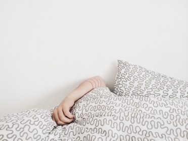 person_hiding_in_bed