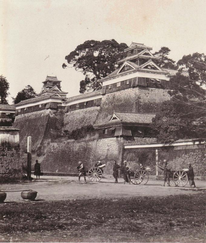 Kumamoto_Castle_oldphoto_1874