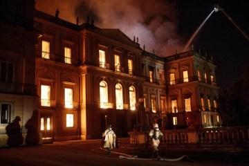 HIBRIDA helena museu fogo2