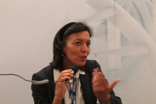 A professora Salima Hacein-Bey-Abina revelou à FRONTAL estar preocupada com os desafios sociais impostos pela terapêutica génica - como poderemos garantir um acesso universal de um tratamento tão dispendioso?