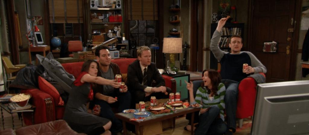 Robin, Ted, Barney, Lily e Marshall assistindo ao Super Bowl mesmo já sabendo o vencedor